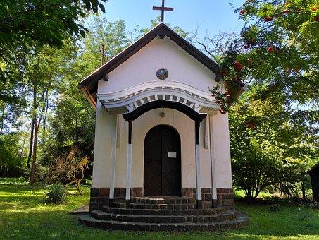 In Zebegény, Catholic Church, Chapel, Excursion