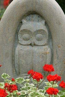 Eagle Owl, Owl, Steinmetz, Cemetery, Art, Geranium