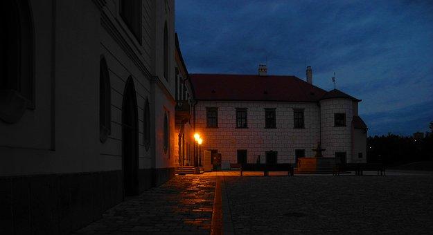 Castle, Twilight, Courtyard