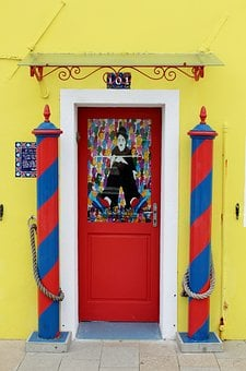 Charlie Chaplin, Doorway, House