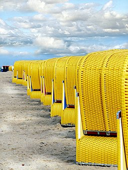 Holiday, Beach, Clubs, Yellow, Series, Lined Up