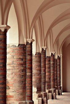 Columnar, Historically, Bricked, Arcade, Round Arch