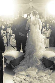 Wedding, Truck, Veil, White, Kiss, Nuptials, Newlyweds