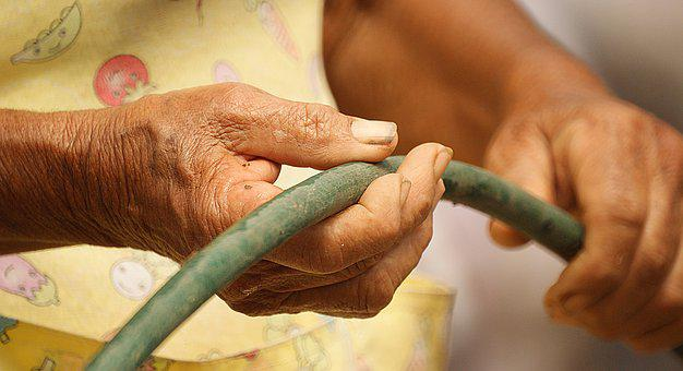 Laborious Hands, Age, Adults, Colombia