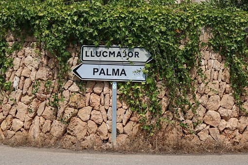 Mallorca, Street Sign, Shield, Traffic Sign, Stone Wall
