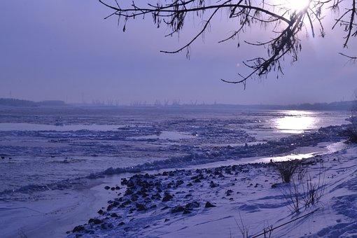 Sun, The Danube, Winter