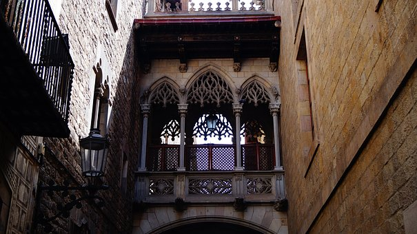 Spain, Barcelona, The Gothic Quarter, Balcony