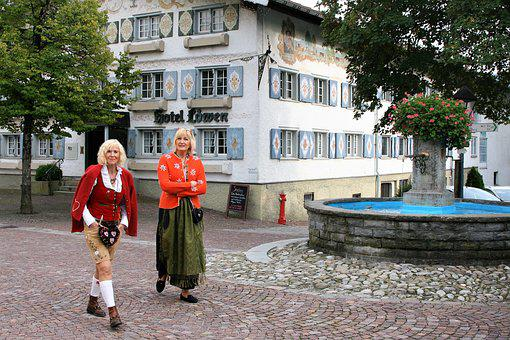 Town, Spacer, Fountain, Color, Costumes, Bavaria