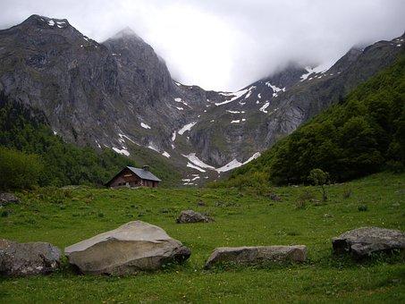 Artiga, Pyrenees, Aran, Val D'aran, Pyrenee Catalunya