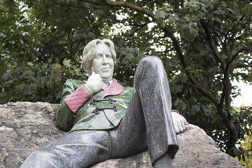 Dublin, Oscar Wilde Sculpture, Monument