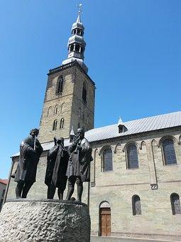 Soest, St Peter's Church, Aldegrever Fountain, Church