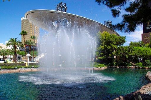 Usa, Las Vegas, Water Games, Fashion Show Mall