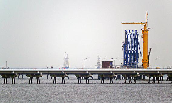 Oil Port, Sea Bridge, Conveyors, Wilhelmshaven