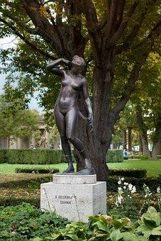 Berlin, Kolonnadenhof, Sculpture, Diana