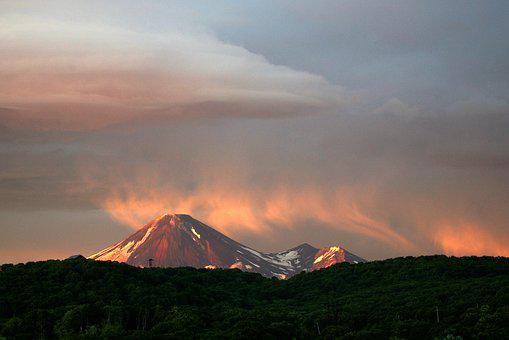 Volcano, Sunset, Clouds, The Volcano Avachinsky, Nipple
