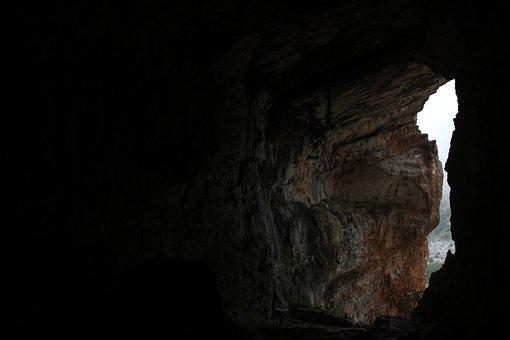 Caves Of Cavallone, Taranta, Maiella