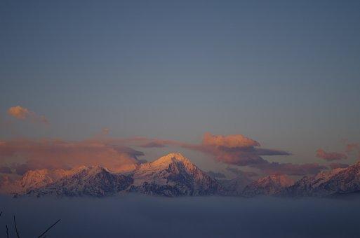 Gongga Snow Mountain, Bull Mountain, The Scenery