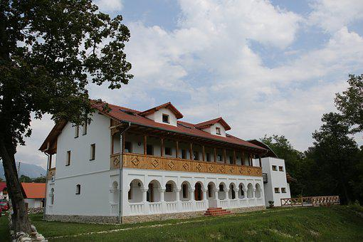 Vatra, Costesti, Valcea, Romania