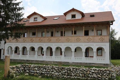 Vatra, Costesti, Valcea, Romania, Han, Outdoors
