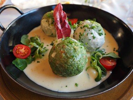Spinach Dumplings, Dumpling, Mushroom Cream Sauce