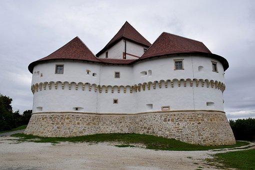 Medieval Mansion, Veli Tabor Croatian, Desinic