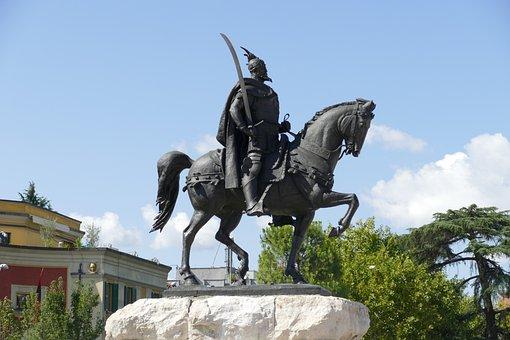 Skenderberg, Albanian, Hero