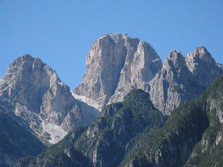 Misurina, Lake Antorno, Dolomites, Cadore, Mountain