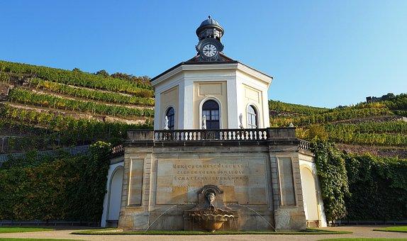 Vineyard, Winegrower's House, Fountain, Glockenuhr