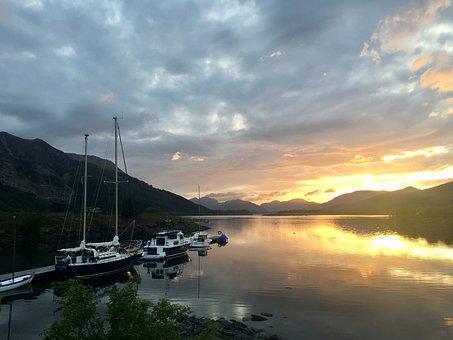 Glencoe, Loch, Boats