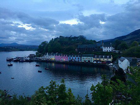 Portree, Skye, Bay