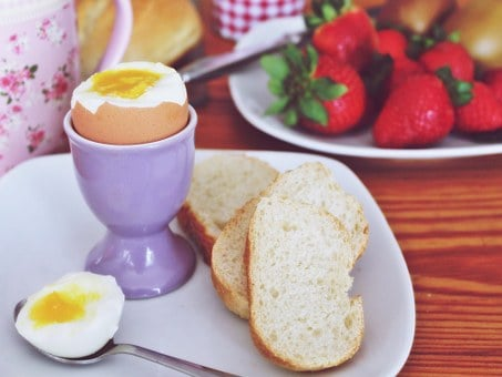 Breakfast, Egg, Cooked, Strawberries, Bread, Roll