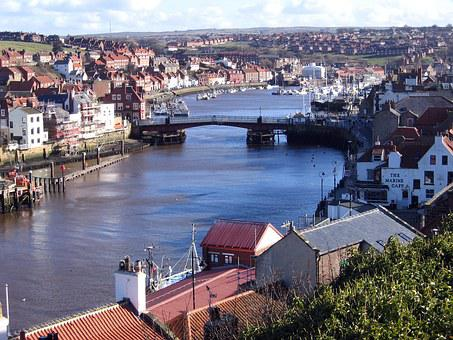 North Yorkshire, Whitby, Harbour, Swing Bridge