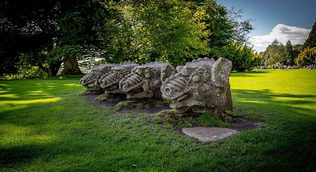 Wallington, Wallington Dragon Statues, Dragon Heads