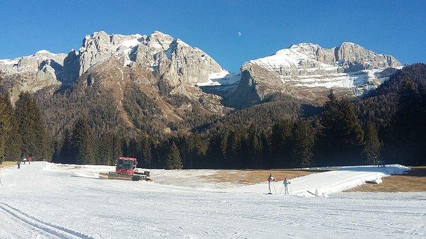 Alps, Dolomites, Madonna-di-campiglio, Little Snow
