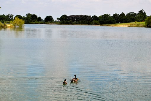 Houston Texas Lake With Ducks, Scenery, River, Trees