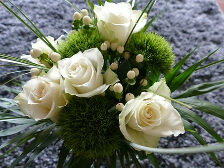 Green Trick, White Roses, Bart Cloves, Bouquet