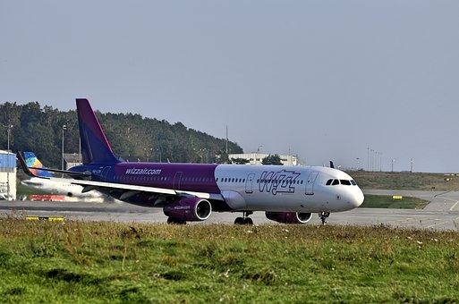 Rębiechowo, Gdańsk, Airport