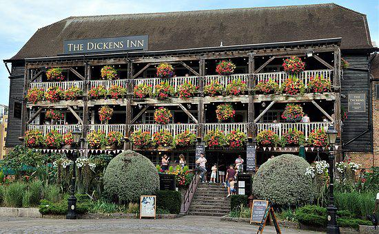 London, Pub, The Dickens Inn, St Catherines Dock