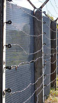 Cross Fence, Ddr, Barbed Wire, Border, Fence