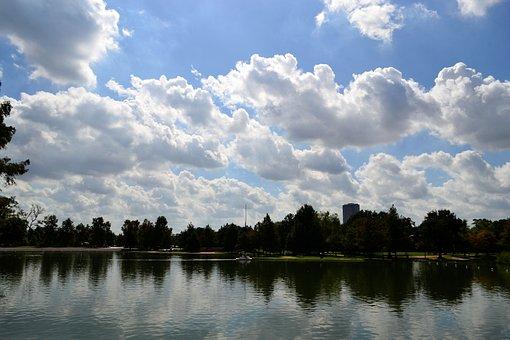 Herman Park, Houston Texas, Skyline, Trees, Lake, River