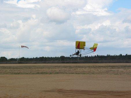 Landing, Aterragem, Aircraft, Vehicle, Airplane, Flying