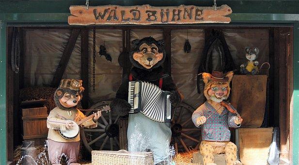 Band, Bear, Banjo, Accordion, Violin, Show