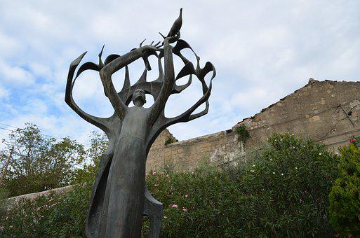 Statue, St Francis, Nola, Naples, Campania, Birds
