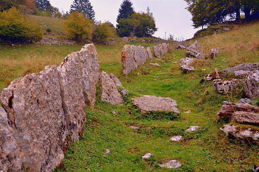 Trail, Fence, Stones, Rock, Prato, Green, Excursion