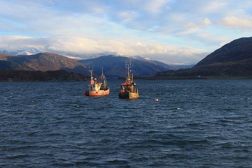 Scottish Highlands, Boats, Lake, Mountains, Nature