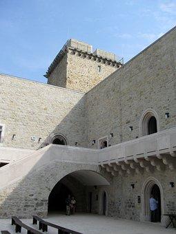 Castle Of Diósgyőr, Castle, Age Of