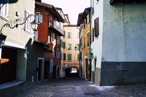 Old Town, Italy, Riva, Garda, Alley, Historic Old Town