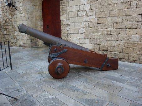 Canon, Palace Almudaina, Palma