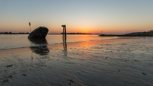 Elbe, Hamburg, Blankenese, Ship, Water, Port, Port City