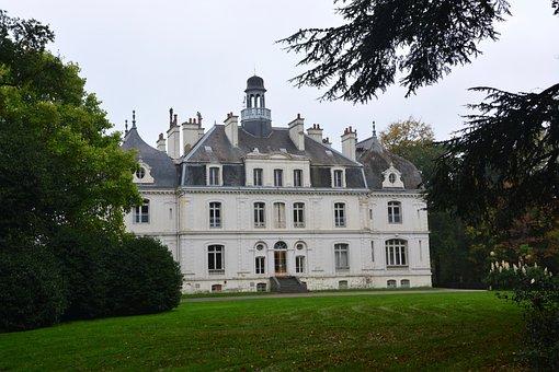 Château Parc De La Briantais, Saint Malo, Tourist Town